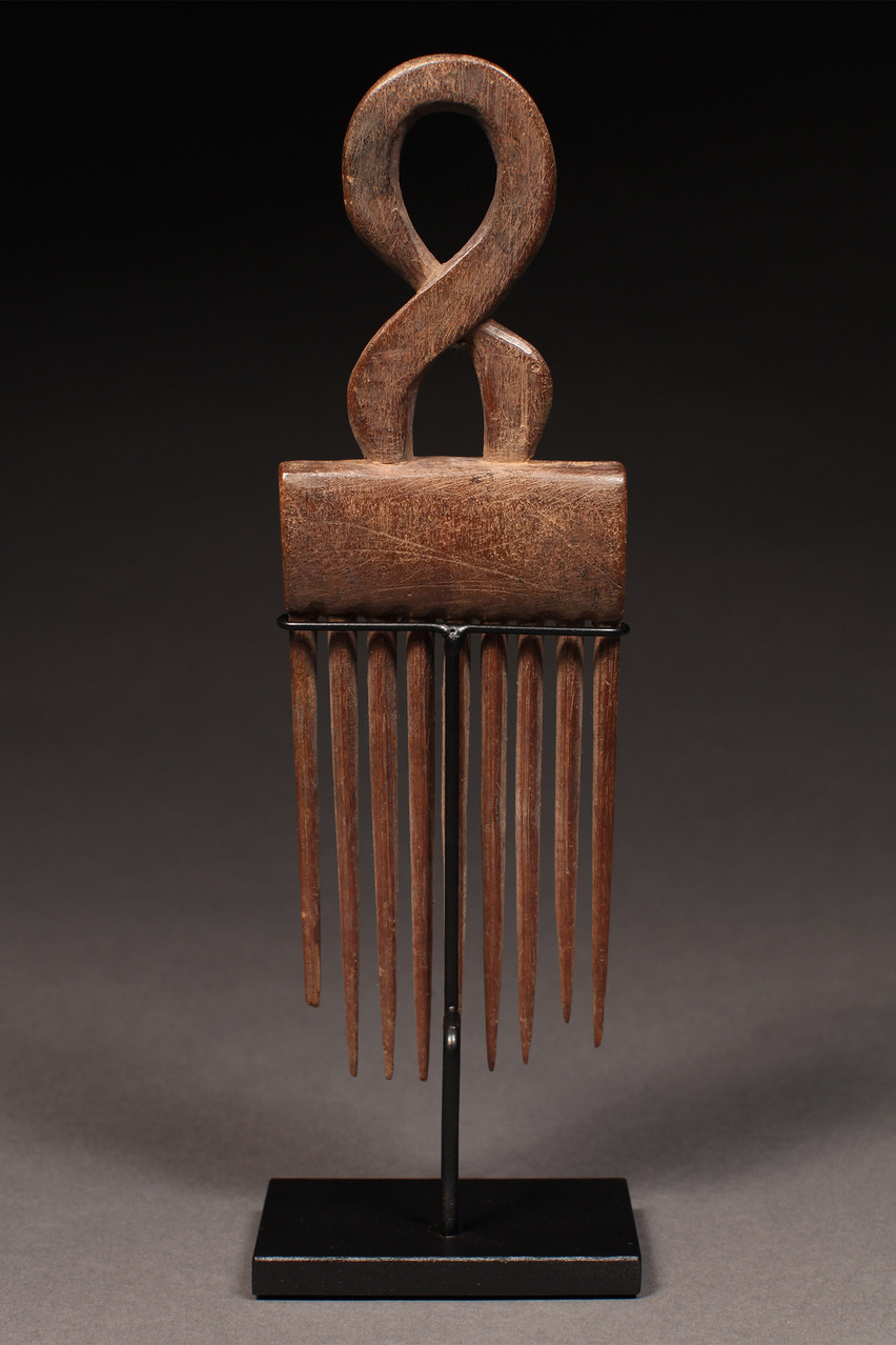 Comb with Curved Superstructure, Ashanti Tribe, Ghana