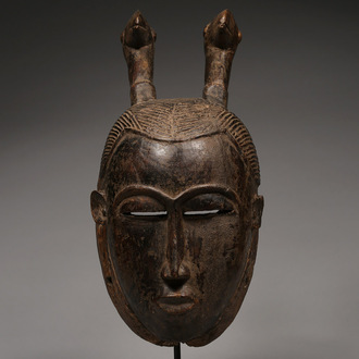 Kpan Mask with Two Birds